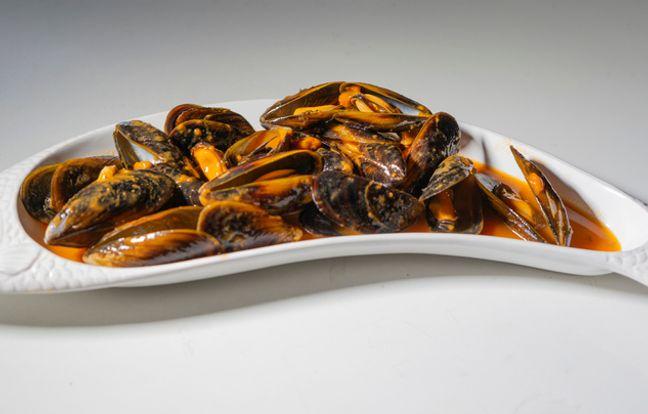 Caracoles con mejillones en salsa