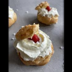 Chouquettes aux fraises & chantilly