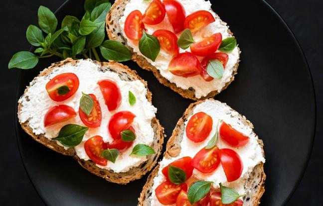 Bruschetta tomate ail et skyr