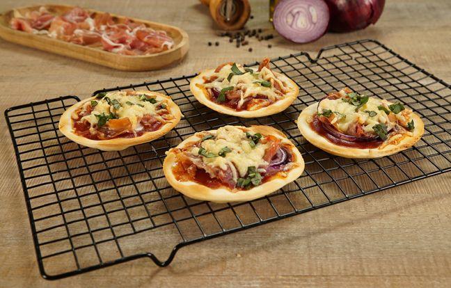 Minis pizza jambon, oignon rouge, râpé de raclette