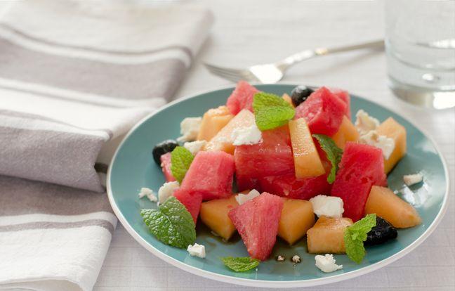 Salade salée de melons et pastèques