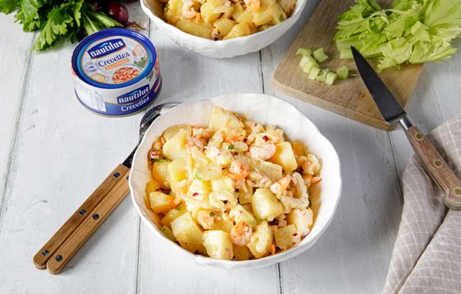 Salade de pommes de terre aux crevettes, sauce cocktail