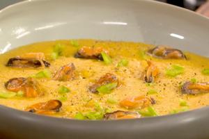 Soupe de maïs aux moules par Laurent Mariotte