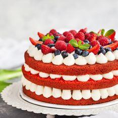Torta fragole e fiori