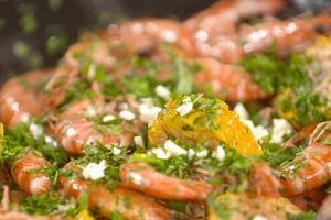 Crevettes flambées et maïs par Laurent Mariotte