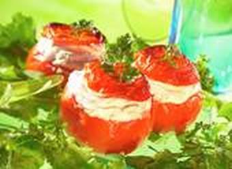 Tomaten mit warmen Schafskäse