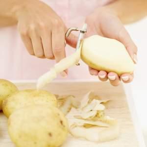 Kartoffelschalen-Auflauf mit Zwiebellauch