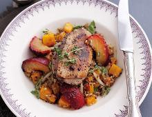 Gebratene Entenbrust mit südafrikanischen Pflaumen und Quinoa-Salat