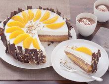Marzipan-Sahnetorte mit Orangen