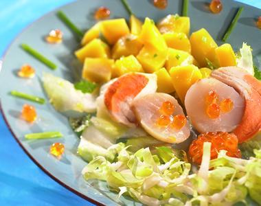 Scallop and mango salad