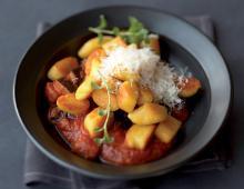 Kartoffelgnocchi mit Auberginen-Tomaten-Sauce