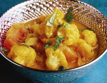 Curry mit Tomaten & Blumenkohl