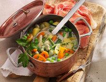 Schnüsch: Bohnen-Gemüse-Eintopf mit Katenschinken