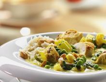 Grünes Gemüsecurry mit Hähnchenbrust