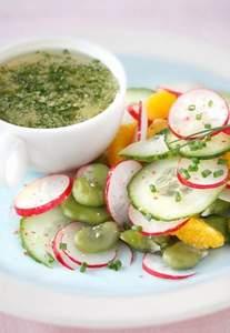 Dicke Bohnen Salat mit Radieschen und Orangen
