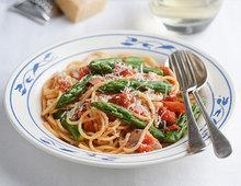 Fiery British Asparagus and Chicken Pasta
