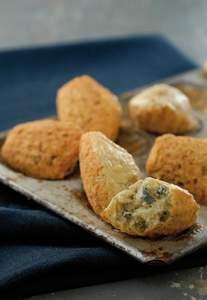 Madeleine-Kuchen mit Blauschimmelkäse