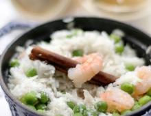 Süß-herzhafter Reis mit Kokosmilch