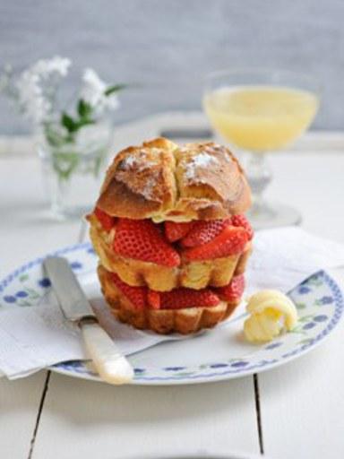 Strawberry and vanilla toasted brioche