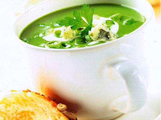 Creamy Spinach and Stilton Soup