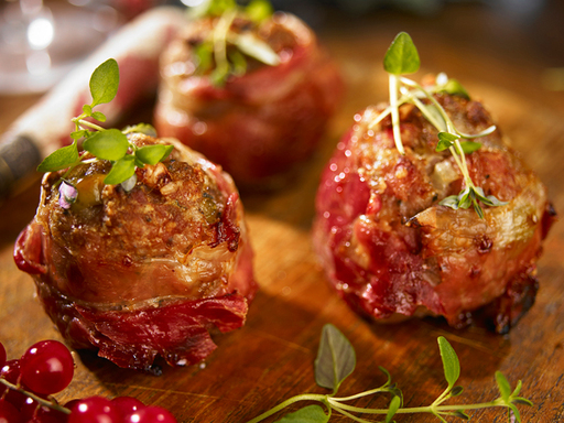 Fragata s Parma Ham and Olive Stuffing Meatballs