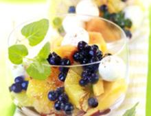 Blaubeer- Fruchtsalat mit Muskat-Chili-Vinaigrette