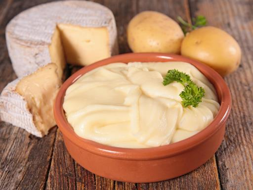 Recipe Aligot (mashed potatoes with cheese and garlic)