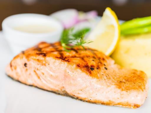 Salmon steak, the light and easy salmon steak recipe