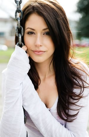 Amanda Crew - Photo posted by loveyou192007