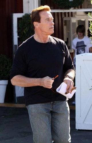 Arnold Schwarzenegger - foto pubblicata da love90210