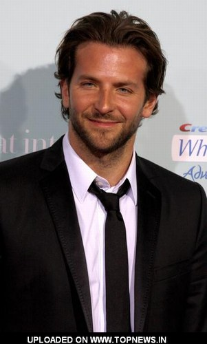 Bradley Cooper - Photo posted by plumeblanche11