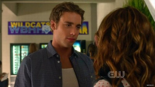 Dustin Milligan - photo postée par love90210