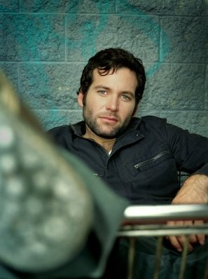 Eion Bailey - photo postée par inexplorable