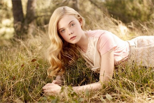 Elle  Fanning - Photo posted by amourgloirebeauteamitie