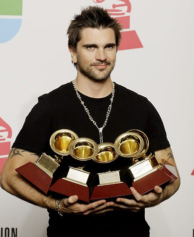Juanes - Photo posted by salamanca12