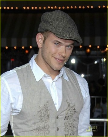 Kellan Lutz - Photo posted by butterblume310