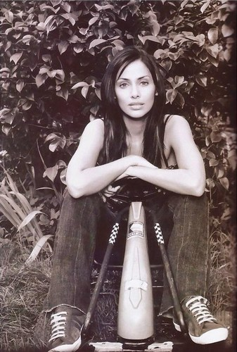 Natalie Imbruglia - Photo posted by vanoulovenat