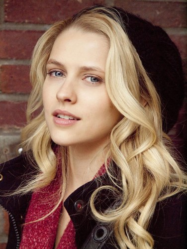 Teresa Palmer - Photo posted by cathyeyre