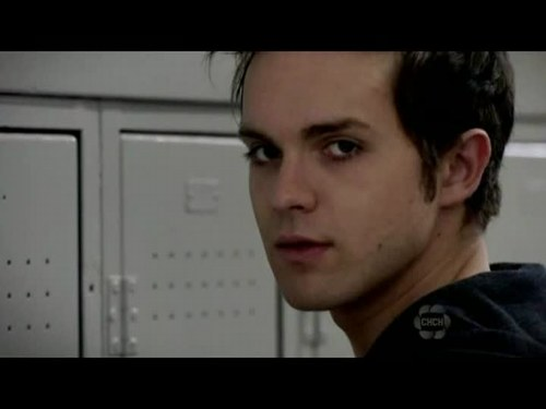 Thomas Dekker - Photo posted by jaccyy10000