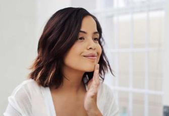 Stark & selbstbewusst: 4 Tipps, um sich in der eigenen Haut wohlzufühlen