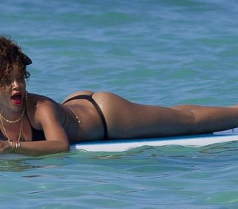 Rihanna : Ses photos hot en string ! (Photos)