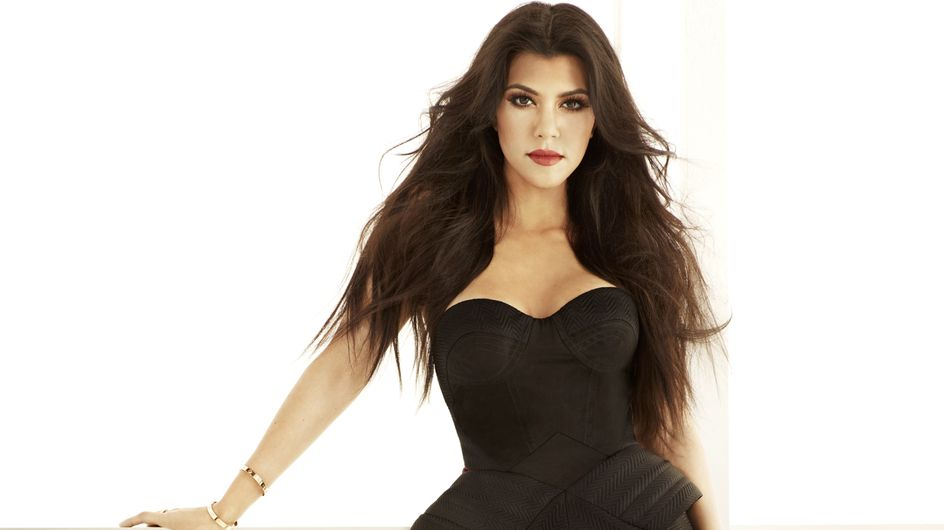 Kourtney Kardashian : Elle nous montre son ventre rond (Photos)