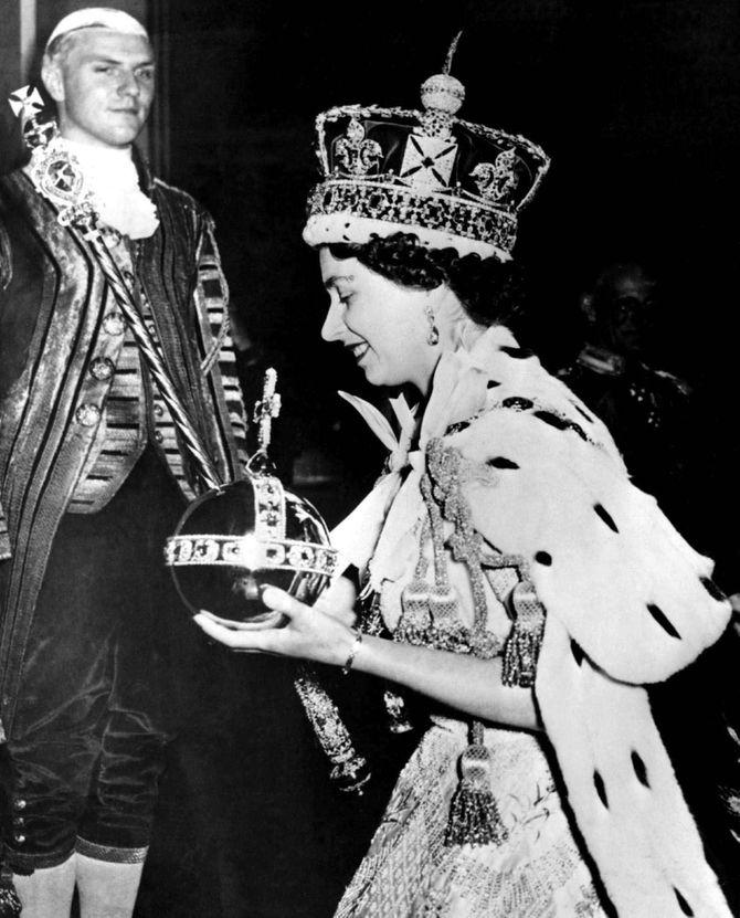 Elisabeth  II, reine, jubilé, style