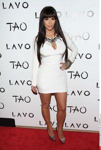 Kim Kardashian looks sexy