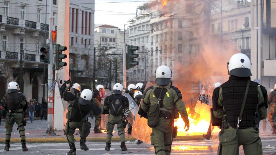 Grèce : Le pays s'enflamme après un nouveau plan d'austérité