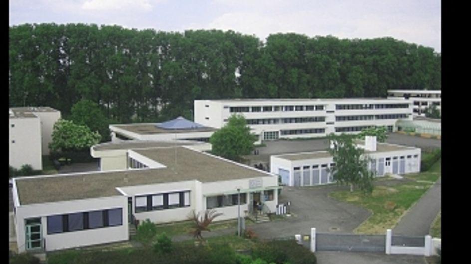 Faits divers : Un lycéen poignardé à mort par un camarade à Bourges