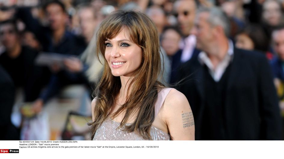 "Angelina Jolie : ""Je suis juste une maman"" (vidéo)"