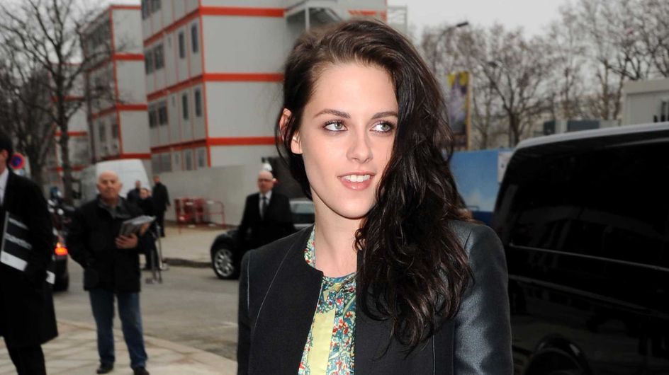 Kristen Stewart : Son nouveau look au défilé Balenciagia (Photos)