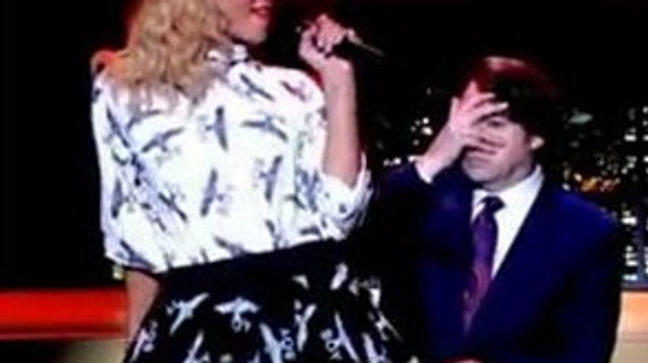Rihanna : Elle allume un animateur télé !