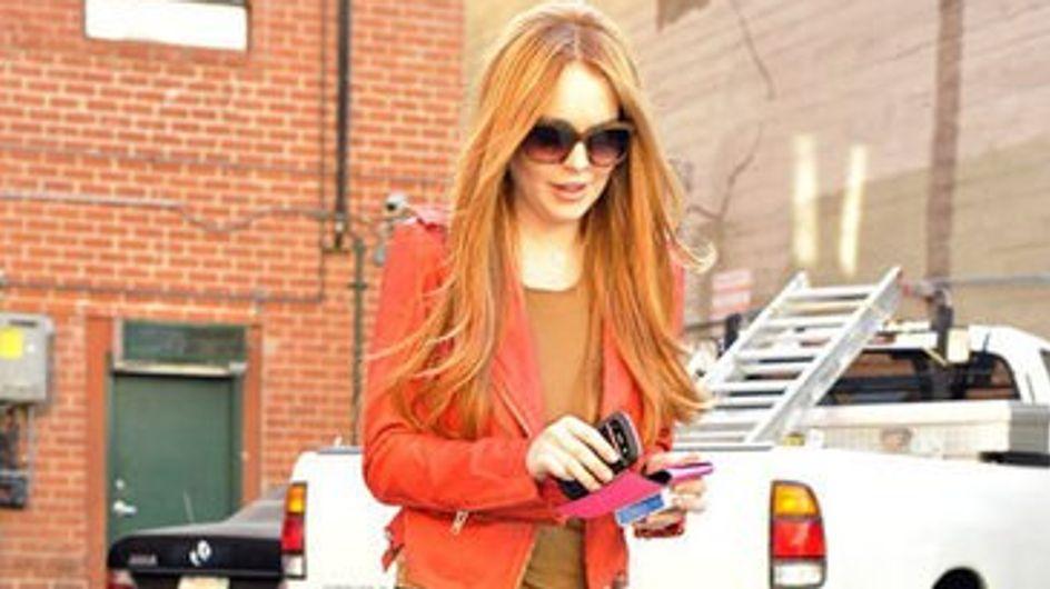 Lindsay Lohan : Elle a changé de couleur de cheveux ! (Photos)